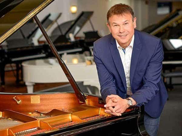 Rudolf Micke, Klavierbaumeister & Geschäftsführer im Pianohaus Micke